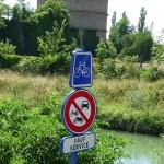 ... und der nette Hinweis, dass wir hier mit den Rädern fahren dürfen. :)