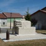 Immer wieder Kriegsmahnmale und Denkmäler. Hier wurden viele Schlachten geschlagen.